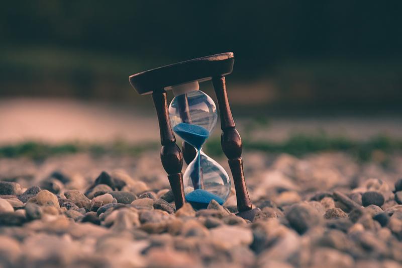 Photo of hour glass by Uroš Jovicic on Unsplash